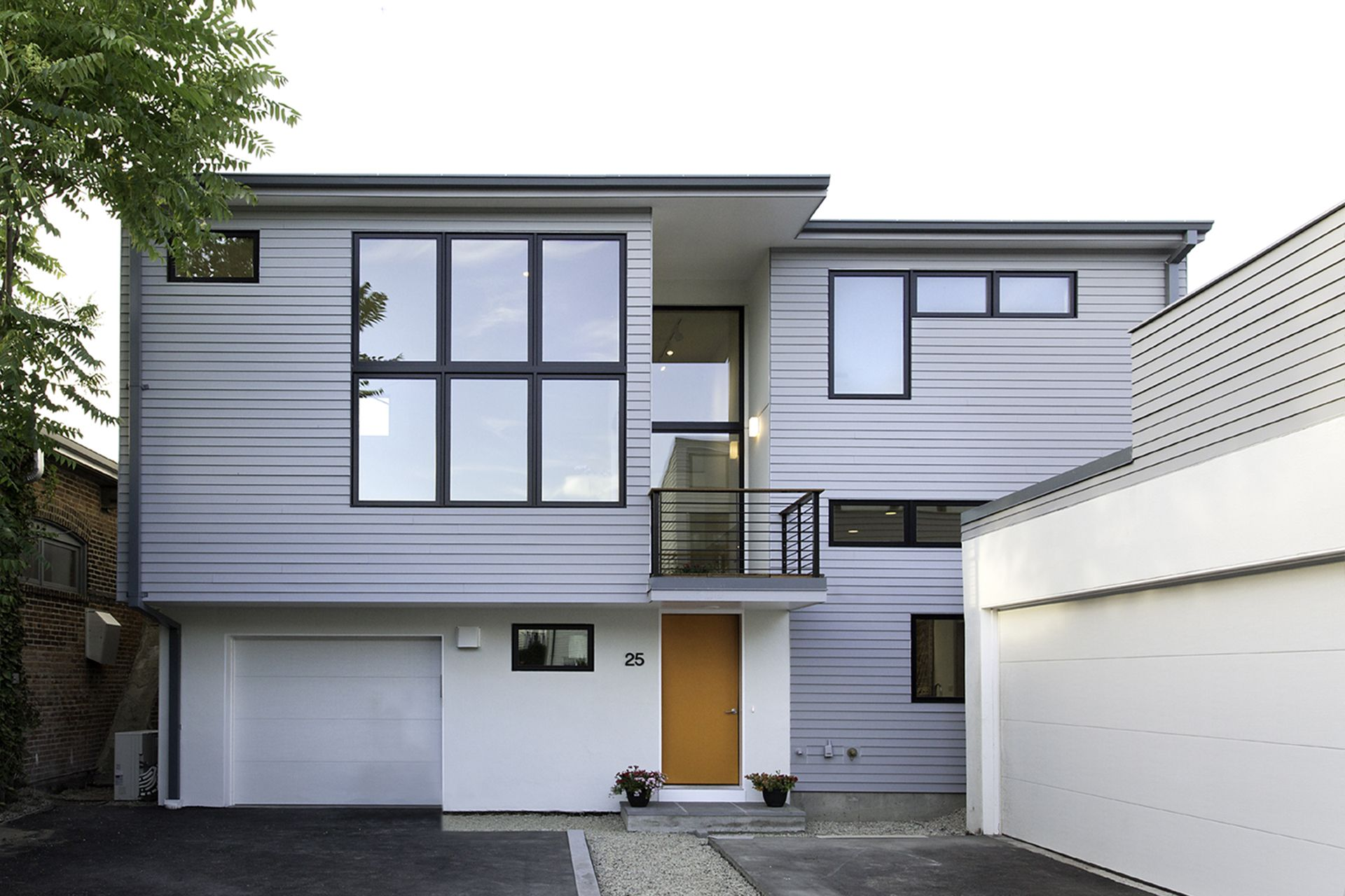 Green building in Somerville MA by Santos Prescott and build by Bensonwood